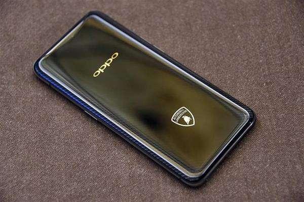 1.jpg 天价手机再现江湖 暴露行业升级瓶颈 手机资讯