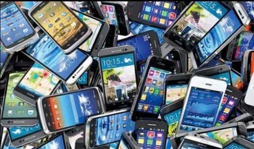 1.jpg 华为小米扎堆上市 二手手机市场降价明显 二手行情